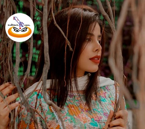After the immense success of the song 'Badan Pe Stars' with Asim Riaz, Sehnoor did a photoshoot for her new project.