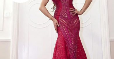 Urvashi Rautela flaunts her curves in a Shimmering fuchsia pink dress