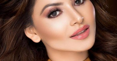 Urvashi Rautela tries Versace outfits costing around 10 lakhs, asked fans to help her decide which one suits her better